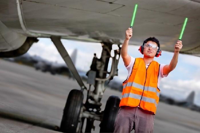 airport-ground-crew.jpg