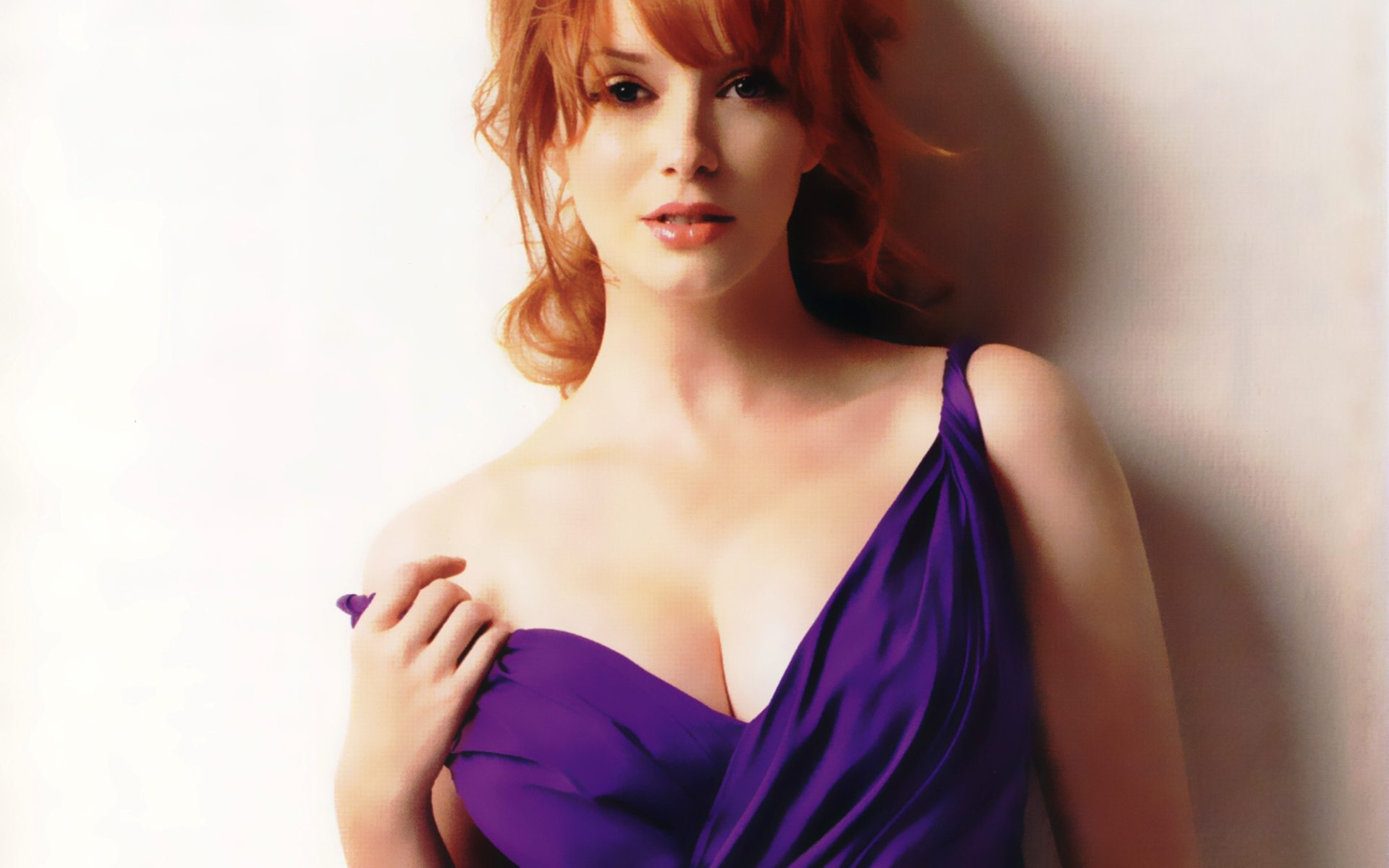 christina-hendricks-babe-in-blue-dress.jpg